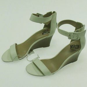 NWT NY & CO.  White Ankle Strap Wedges size 8M